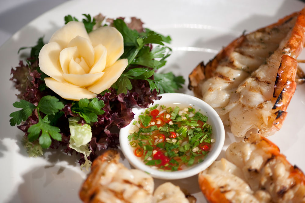 https://www.themasterchefs.com/wp-content/uploads/2018/04/Nipa-Thai-food-Sanguan-Parr.jpg